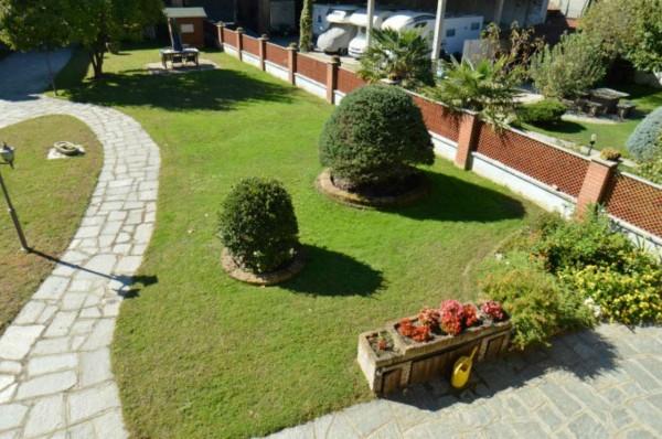 Villa in vendita a Orbassano, Con giardino, 300 mq