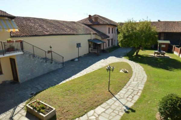 Villa in vendita a Orbassano, Con giardino, 400 mq - Foto 1