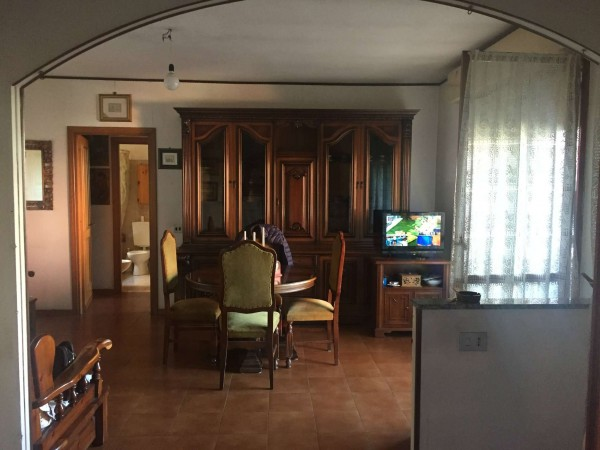 Appartamento in vendita a Roma, Eur - Torrino, Con giardino, 60 mq
