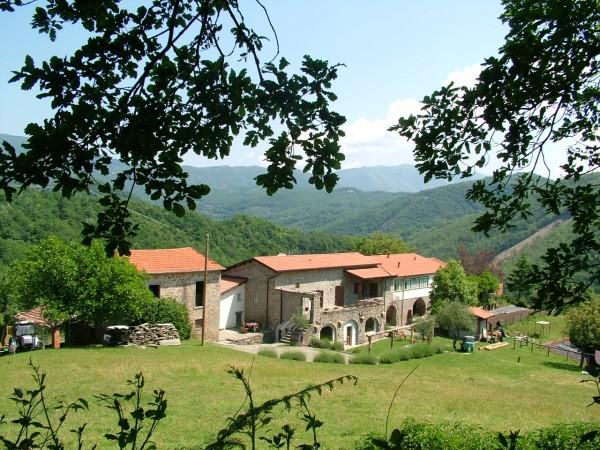 Rustico/Casale in vendita a Pontremoli, 700 mq - Foto 1