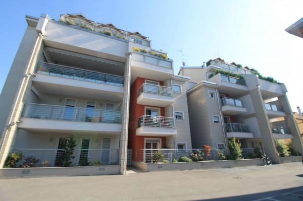 Appartamento in vendita a Treviglio, Arredato, con giardino, 70 mq