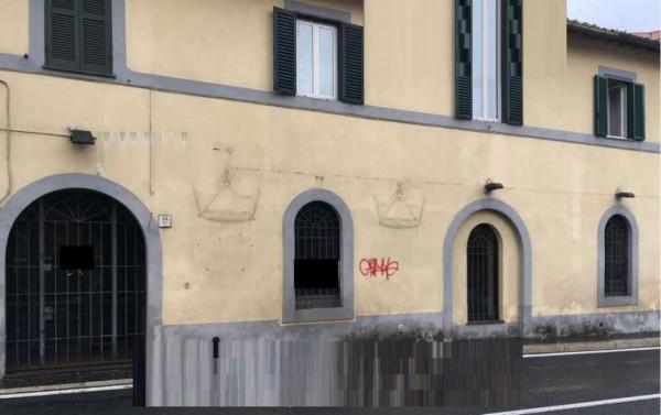 Locale Commerciale  in vendita a Grottaferrata, 126 mq
