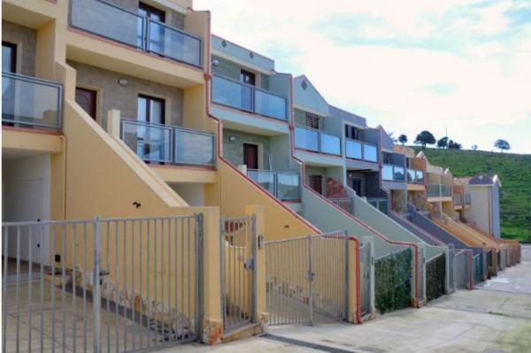 Casa indipendente in vendita a Dolianova, Sicci, Arredato, con giardino, 131 mq