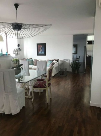 Appartamento in vendita a Peschiera Borromeo, Con giardino, 235 mq