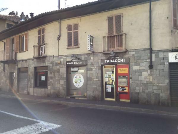Locale Commerciale  in vendita a Moncalieri, Arredato, 100 mq