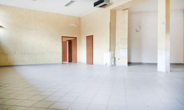 Negozio in affitto a Paderno Dugnano, Cassina Amata, 300 mq - Foto 1