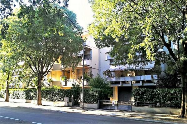 Appartamento in vendita a Forlì, Medaglie D'oro, Con giardino, 190 mq