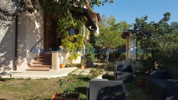 Casa indipendente in vendita a Campello sul Clitunno, Centrale, Con giardino, 150 mq - Foto 2