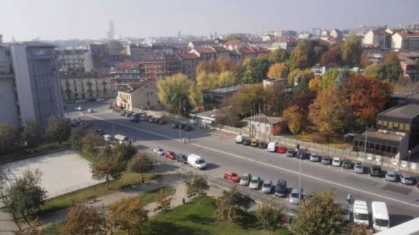 Appartamento in vendita a Torino, Arredato, con giardino, 66 mq