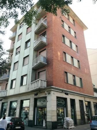 Locale Commerciale  in vendita a Torino, 155 mq