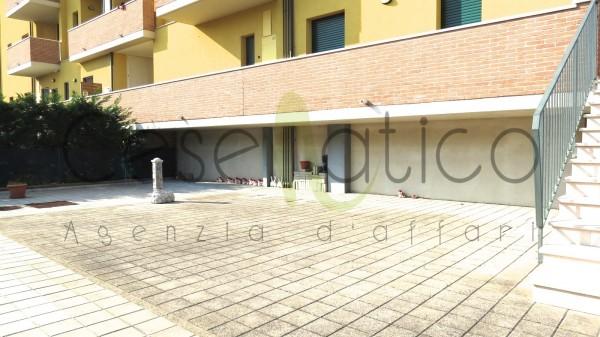 Appartamento in vendita a Gatteo, Mare, Con giardino, 75 mq