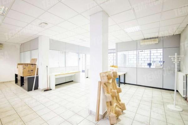 Locale Commerciale  in vendita a Milano, Affori Centro/dergano, 130 mq