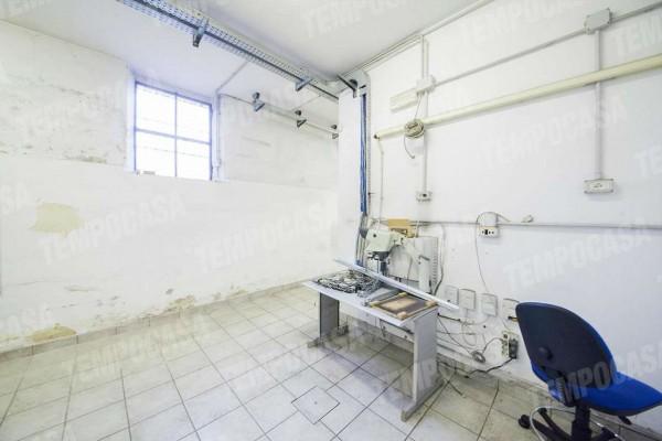 Locale Commerciale  in vendita a Milano, Affori Centro/dergano, 130 mq - Foto 3
