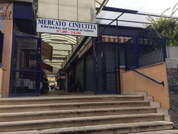 Locale Commerciale  in vendita a Roma, Tuscolana, Arredato, 30 mq - Foto 6