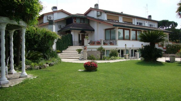 Villa in vendita a Roma, Casalpalocco, Con giardino, 600 mq - Foto 1