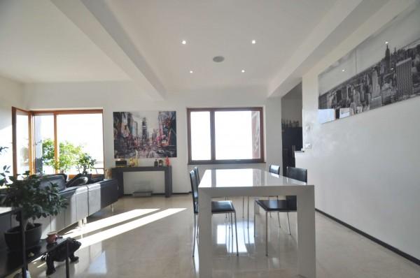 Appartamento in vendita a Genova, Sestri Ponente, Con giardino, 110 mq