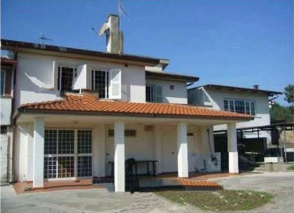 Casa indipendente in vendita a Velletri, Con giardino, 278 mq