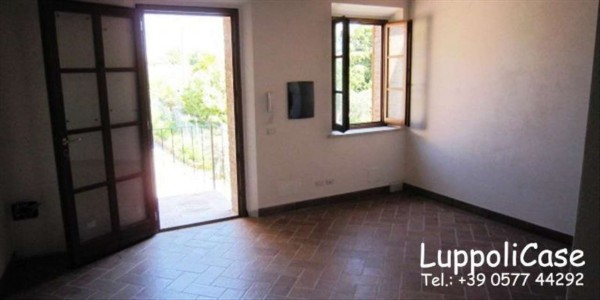 Appartamento in vendita a Sovicille, Con giardino, 85 mq