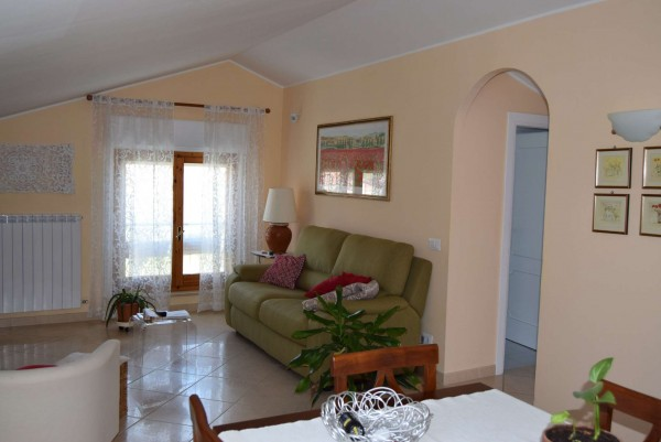 Appartamento in vendita a Corciano, Olmo, Con giardino, 70 mq