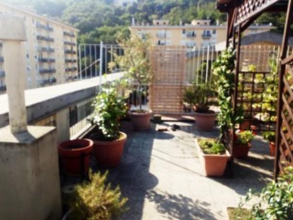 Appartamento in vendita a Genova, Marassi, 80 mq