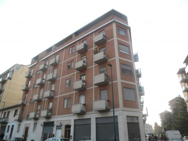 Negozio in affitto a Torino, 50 mq