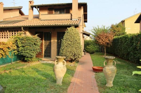 Villa in vendita a San Zenone al Lambro, Residenziale, Con giardino, 205 mq