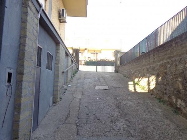 Locale Commerciale  in vendita a Roma, Montespaccato, 35 mq