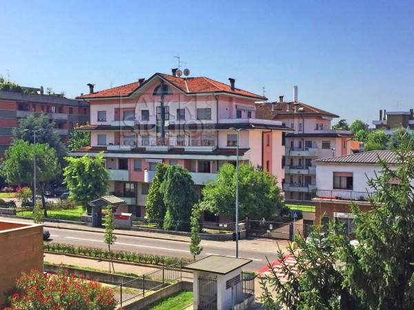 Appartamento in vendita a Cassano d'Adda, Coop, Arredato, con giardino, 65 mq
