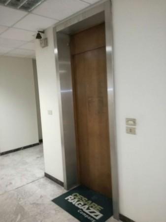 Ufficio in affitto a Torino, 185 mq