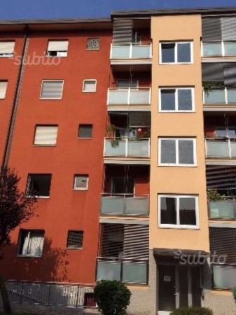 Appartamento in vendita a Milano, Gallarate, 85 mq