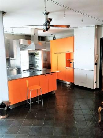 Appartamento in vendita a Torino, 220 mq
