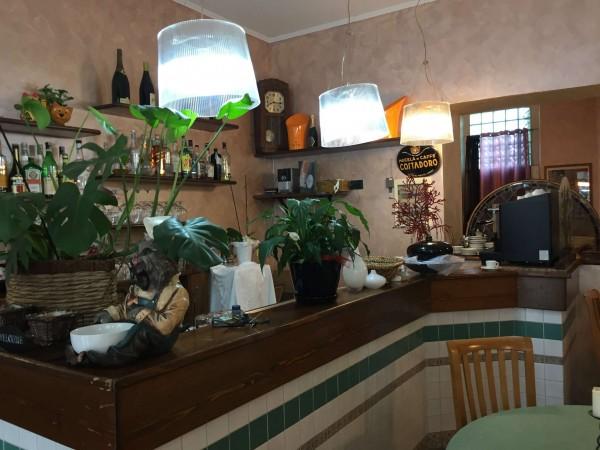 Locale Commerciale  in vendita a Torino, Arredato, 140 mq
