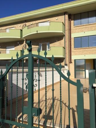 Appartamento in affitto a Aprilia, Campo Di Carne, 60 mq