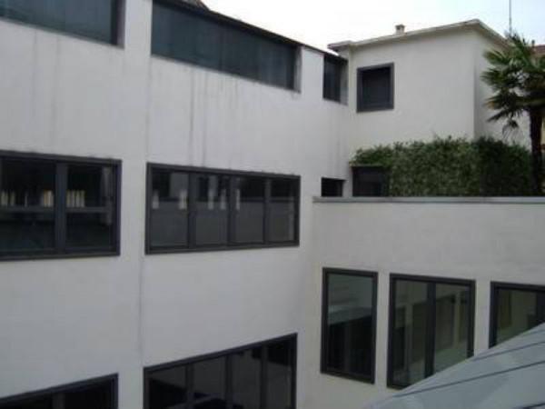 Ufficio in affitto a Milano, 600 mq
