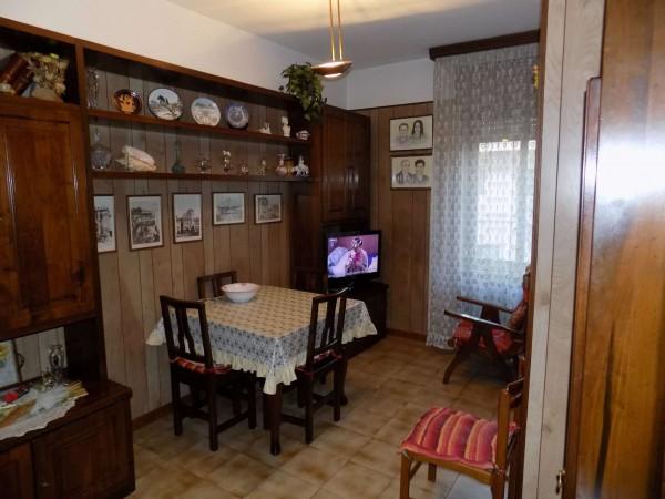 Appartamento in vendita a Senago, Centrale, 90 mq