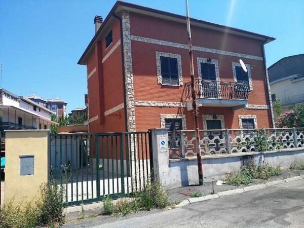 Casa indipendente in vendita a Roma, Casal De Pazzi, Con giardino, 210 mq - Foto 2
