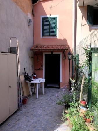 Casa indipendente in vendita a Genova, Struppa, Con giardino, 50 mq