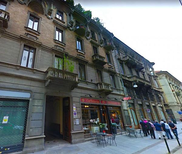 Locale Commerciale  in vendita a Torino, Arredato, 100 mq