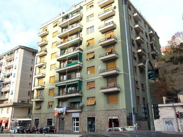 Appartamento in affitto a Genova, Molassana, 70 mq