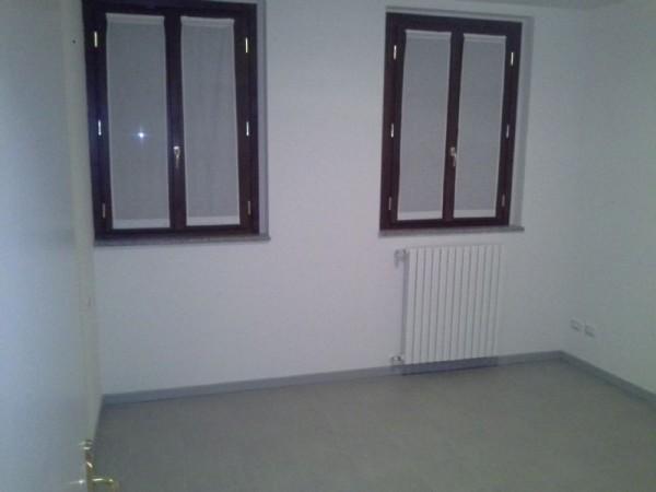 Appartamento in affitto a Magenta, Centrale, Con giardino, 60 mq - Foto 2