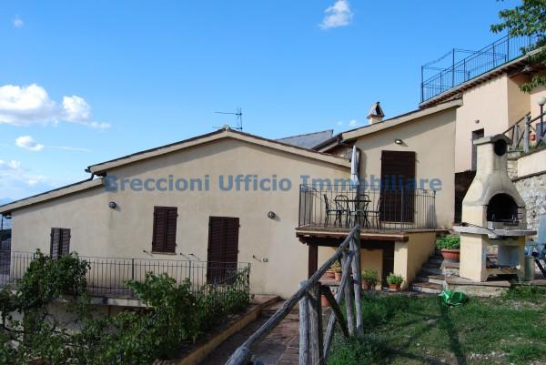 Casa indipendente in vendita a Trevi, Collinare, Con giardino, 280 mq