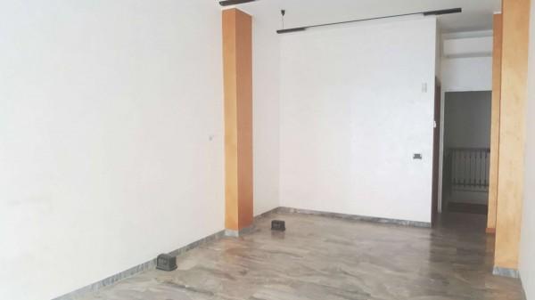 Negozio in affitto a Milano, 50 mq