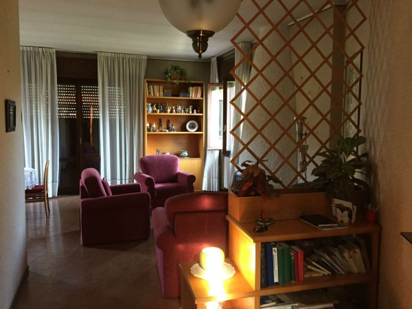 Villa in vendita a Leggiuno, Con giardino, 220 mq