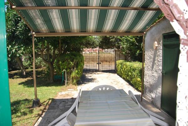 Villetta a schiera in vendita a Ardea, Tor San Lorenzo, Con giardino, 90 mq