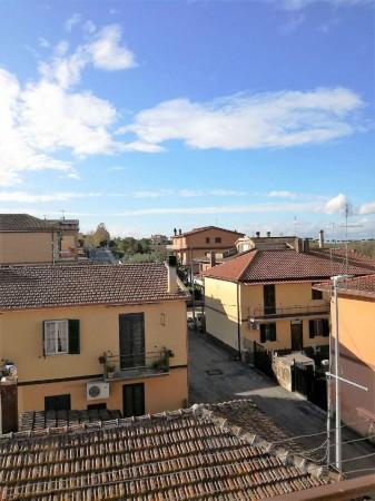 Appartamento in vendita a Roma, Falcognana, 85 mq