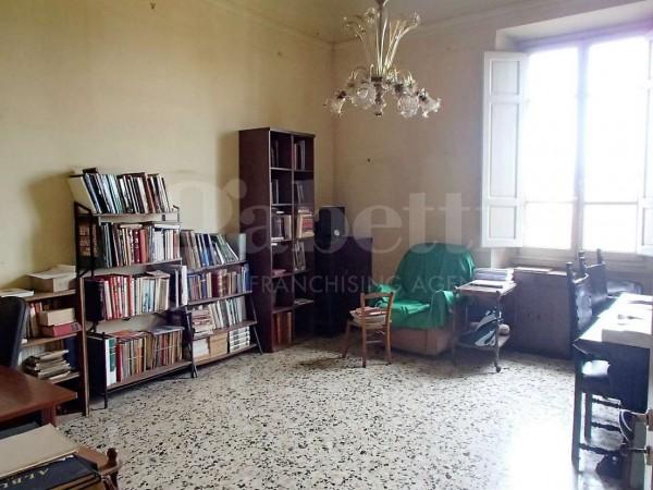 Appartamento in vendita a Firenze, Campo Di Marte, 150 mq