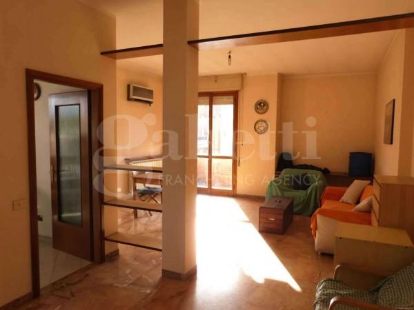 Appartamento in vendita a Firenze, Europa, 125 mq