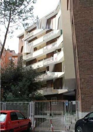 Appartamento in vendita a Roma, 74 mq