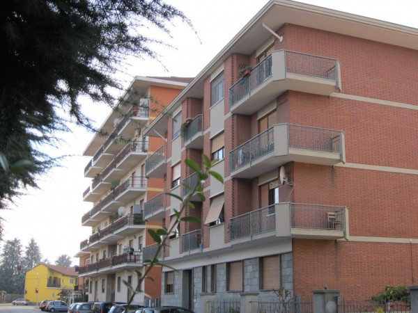 Appartamento in affitto a Nichelino, Centro, 60 mq