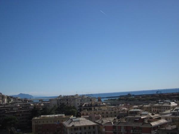 Appartamento in vendita a Genova, Genova Pra, 60 mq